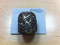 Кольцо с россыпью черных блестящих камней