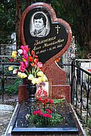 """Памятники на могилу из гранита с портретом """"Сердце тюльпана"""""""