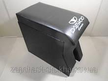 Підлокітник Ланос чорний з вишивкою Daewoo