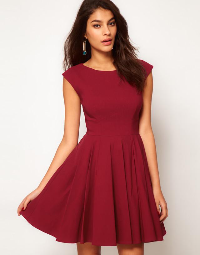 Модные платья весна