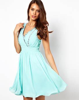 Какое весеннее платье подобрать под свою фигуру?