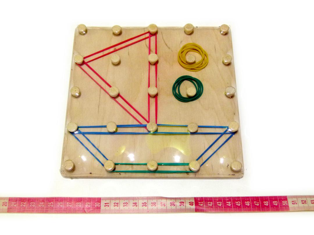 Математичний планшет іграшка Фантазуємо з резиночками (90016)