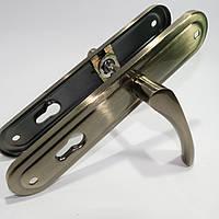 Ручка на планке для входных дверей FUARO 08 длинная планка  старая бронза
