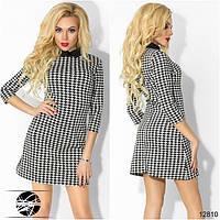 Женское платье с принтом гусиная лапка. Модель 12810.