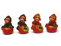 Обезьянка с фруктами (8 шт/уп)(7х5х4,5 см)