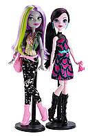 """Набор кукол Дракулаура и Моаника Д'Кей """"Добро пожаловать в Школу Монстров!""""  Новая линейка кукол из перевыпуск"""