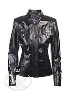 Черная кожаная куртка с карманами