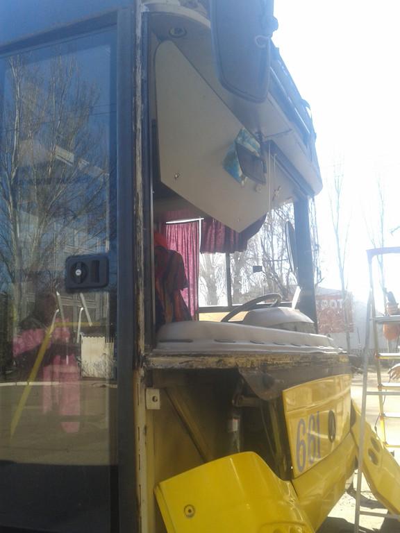 Замена лобового стекла на троллейбусе ЛАЗ E183, ElectroLAZ-12