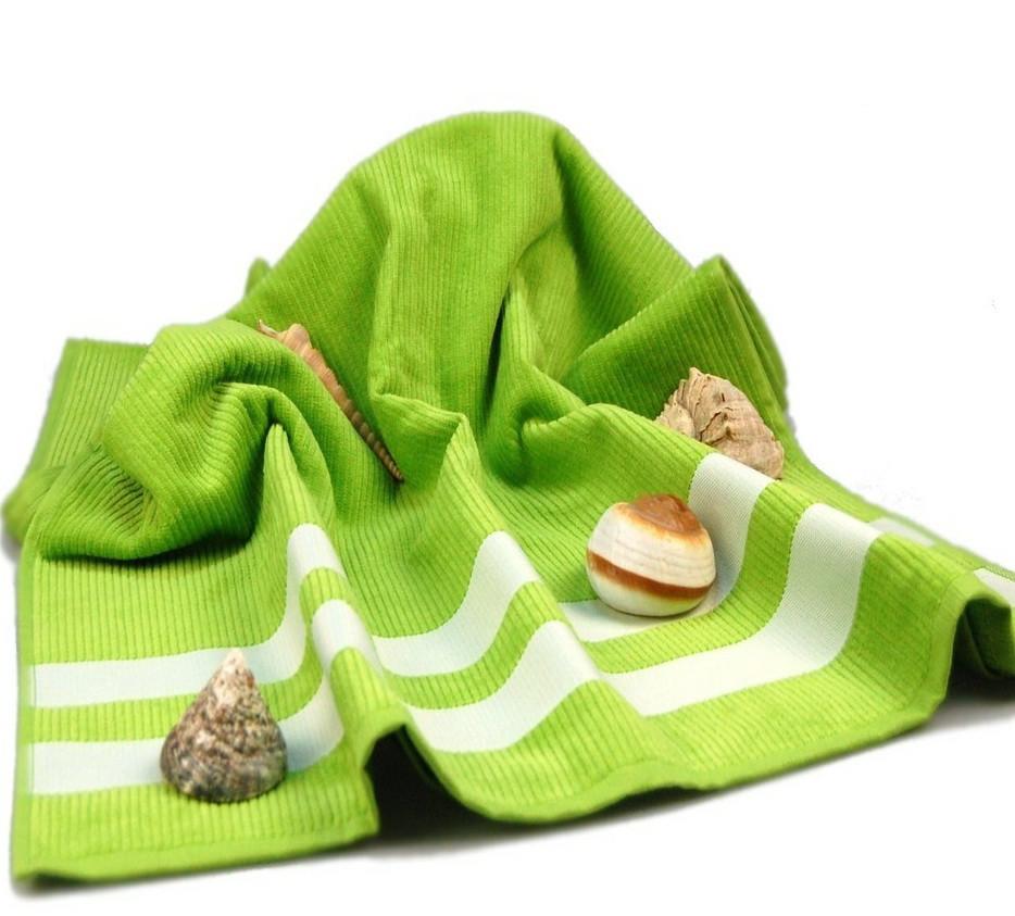 Полотенце пляжное велюровое Homeline салатовое 70х150