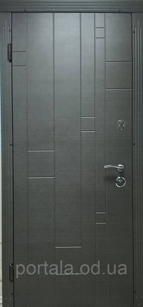 """Вхідні металеві двері """"Портала"""" для квартири (серія Комфорт) ― модель Кельн"""