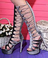 Летние сапоги босоножки серые на высоком каблуке 14 см