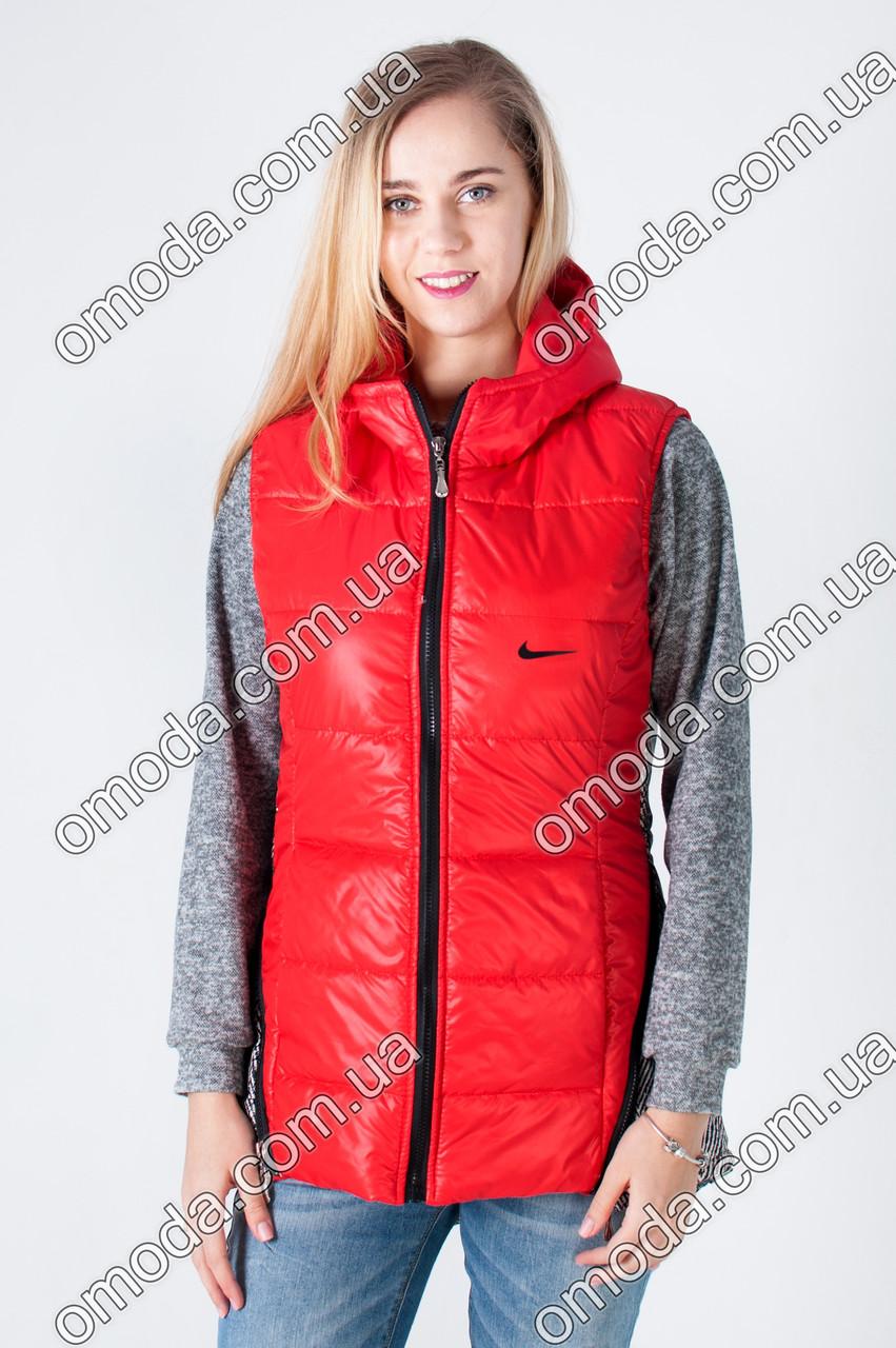 e978a659b54 Женская жилетка на синтепоне в спортивном стиле красного цвета ...