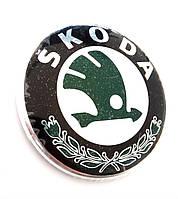 Емблема Шкода Skoda 1U0853621CMEL