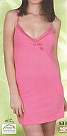 Молодежная короткая ночнушка на бретельках с бантиком розовая
