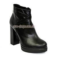 Демисезонные женские классические ботинки на высоком каблуке, из натуральной кожи черного цвета