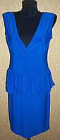 Синее женское платье с баской без рукавов