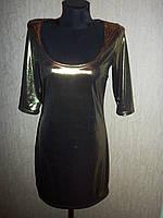 Блестящее женское вечернее платье