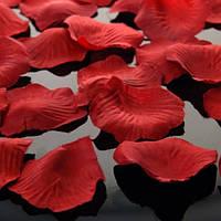 Лепестки для обсыпания молодоженов красные  130 шт\уп.