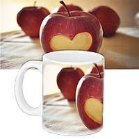 """Кружка с  рисунком """" Яблочное сердце """""""