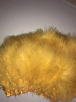 Перьевая тесьма из перьев лебедя.Цвет желтый.Цена за 0,5м