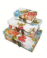 Прямоугольная подарочная коробка ручной работы белого цвета с яркими объемными цветами