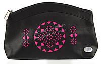 Женская кожаная черная косметичка с розовой перфорацией Swan art. Б/Н большая