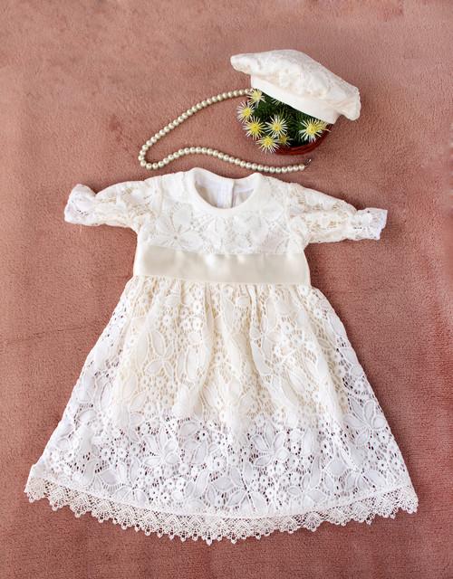 Одежда на выписку из роддома, крестильные комплекты