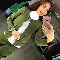 Брючный женский костюм зеленый
