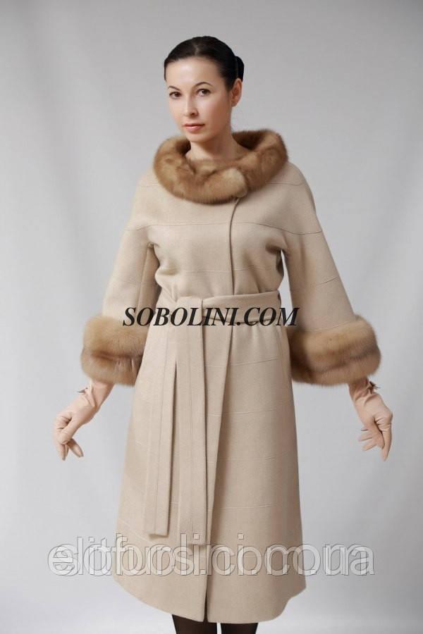 """Восхитительное пальто с мехом лесной куницы, цвет """"слоновая кость"""", рукав 3/4"""