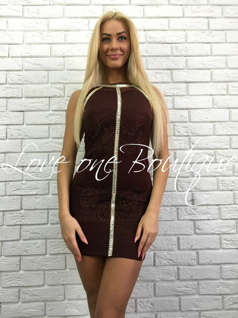 Платье с гипюровыми вставками, камни стекло