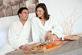 Гостиничный текстиль: махровые полотенца и халаты гостиничные