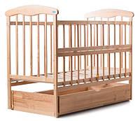 Детская кроватка Наталка откидная боковина, с маятником и ящиком (ясень) светлая