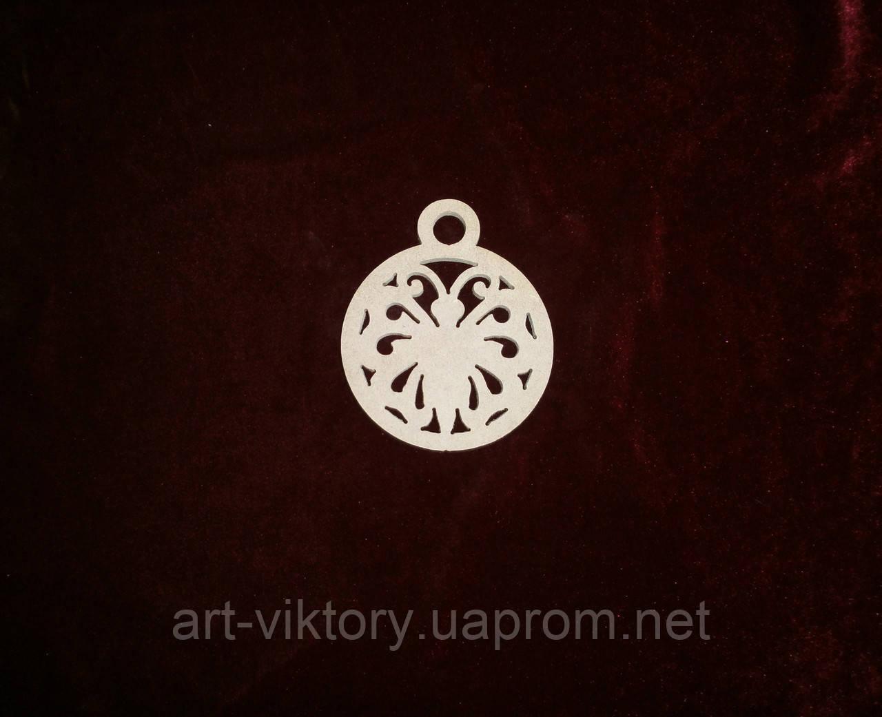 Бабочка в круге  (9 х 10 см), декор