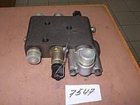 Клапан перепускной Т-150к (клапан расхода) 151.40.039-1