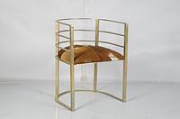 Железный стул-кресло с кожаной сидушкой. Цвет brass antique. Ручная работа. Сделано в Индии.