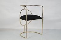 Железный стул-кресло с бархатной сидушкой. Цвет Ant. Brass plated. Ручная работа. Сделано в Индии.