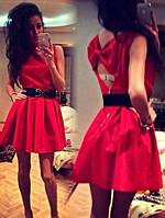 Платье с бантом на спине