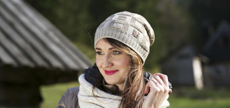 Жіноча тепла в'язана шапка ACHTI Польща