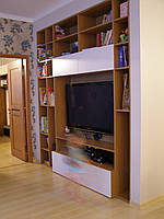 Шкафы, тумбочки для гостиных, гардеробных комнат
