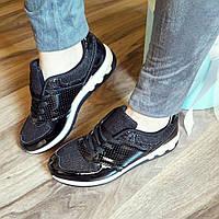 Женские черные лаковые кроссовки Перфорация