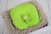Подушка для новорожденного с держателем для соски, салатовая