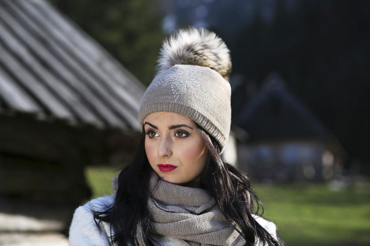 Женская теплая вязаная шапка с помпоном ACHTI Польша
