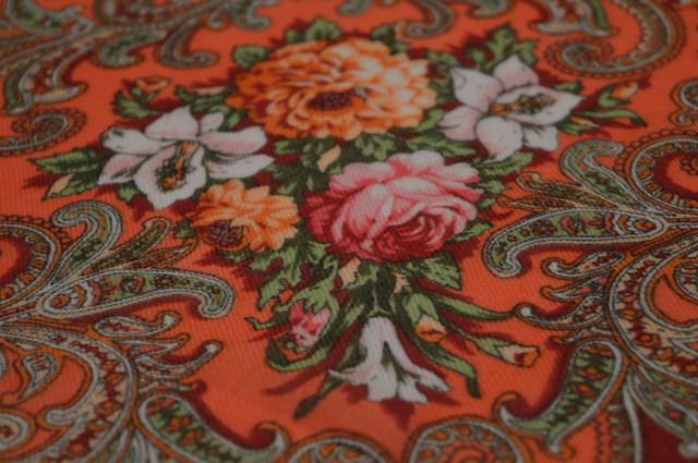 Платок шерстяной с турецким орнаментом бордовый 3
