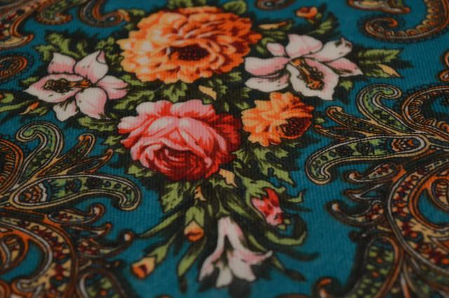 Платок шерстяной с турецким орнаментом изумрудный 3