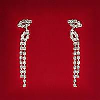 [60 мм] Серьги женские белые стразы светлый металл свадебные вечерние гвоздики (пуссеты) Око Ра длинные