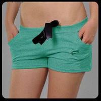 Стильные лентие шорты с карманами с накаткой Nike.