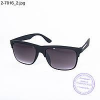 Оптом солнцезащитные очки унисекс - черные - 2-7016
