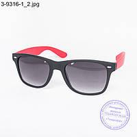 Оптом очки солнцезащитные Вайфарер (Wayfarer) черно-красные - 3-9316-1