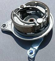 Крышка заднего тормозного барабана с колодками DELTA