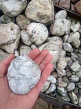 Натуральний природний камінь, річкова галька декоративна біла 7х10см (0223)